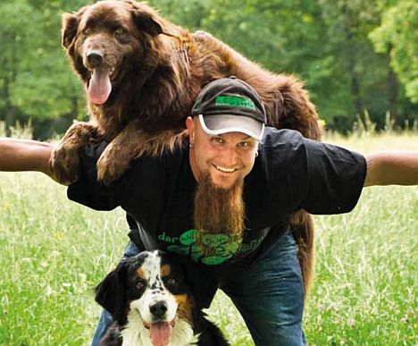 Der Hundeversteher Holger Schüler